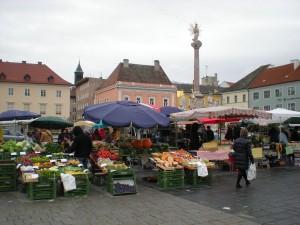 WrNeustadtHauptplatzMarkt