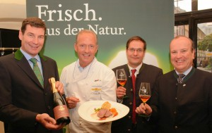 Martin Lechner (Zillertal Bier), Haubenkoch Martin Sieberer, Braumeister Peter Kaufmann und Biersommelier Weltmeister Karl Schiffner.