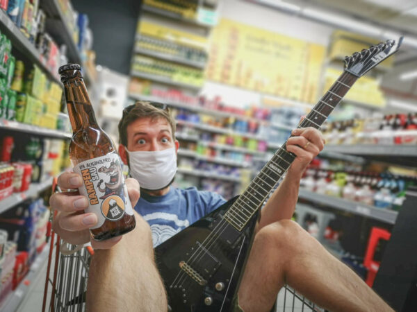 Tom Mauer von Brew Age präsentiert ein alkoholfreies IPA.