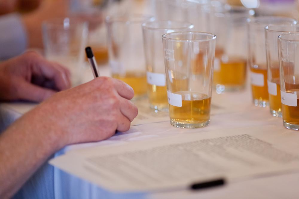 Auf vielen der Events von BierkonsumentInnenvereinigungen finden Bierverkostungen und -bewertungen statt.